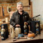 [Audio] Artesano Nariñense: Miguel de la Cruz , técnica del enchapado del tamo del trigo, se plasma en botellas de edición especial ,Johnnie Walker Blue Label.